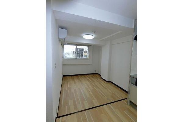 1LDK Apartment to Buy in Arakawa-ku Living Room
