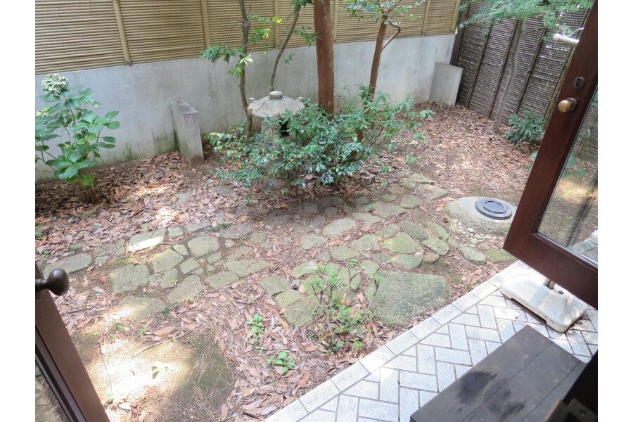 6SLDK House to Rent in Ota-ku Garden