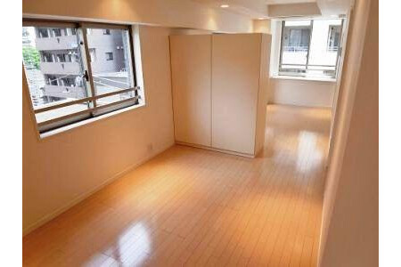 1K Apartment to Buy in Chuo-ku Living Room