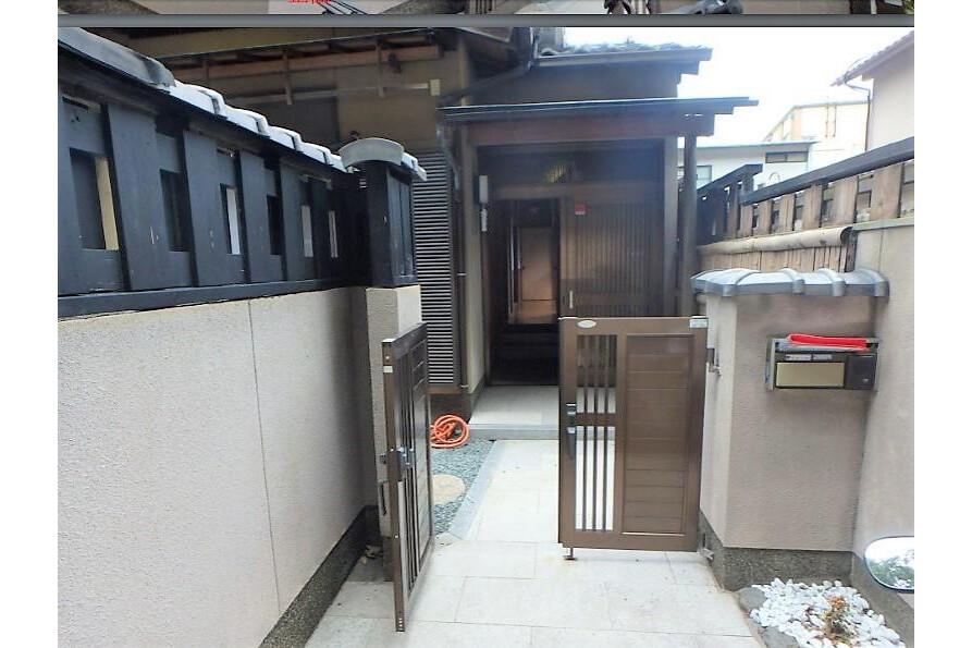 5DK House to Buy in Kyoto-shi Sakyo-ku Entrance