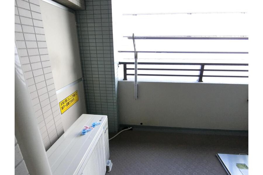 2SLDK Apartment to Rent in Yokohama-shi Kohoku-ku Balcony / Veranda