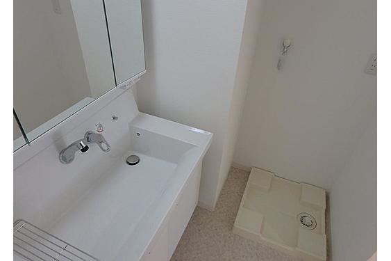 2LDK Apartment to Buy in Arakawa-ku Outside Space