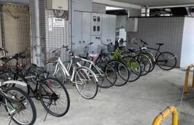 福岡市博多区博多駅東-1K{building type}