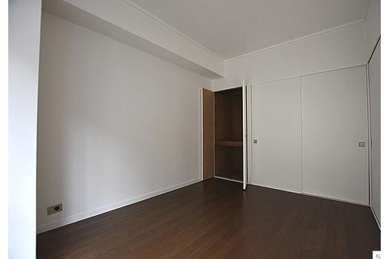 2SDK Apartment to Buy in Arakawa-ku Storage