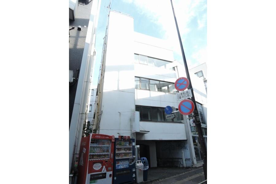 Whole Building Office to Buy in Setagaya-ku Exterior
