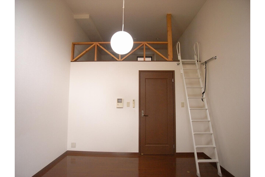 1K Apartment to Rent in Fuchu-shi Living Room