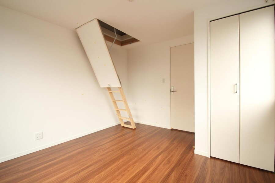 3LDK Apartment to Rent in Meguro-ku Outside Space