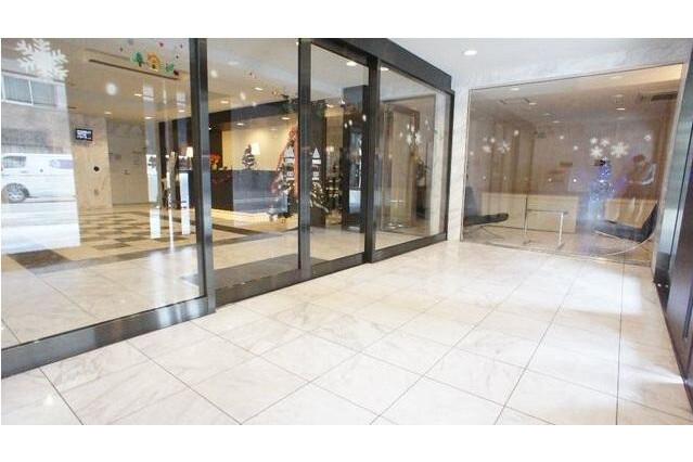 1LDK Apartment to Rent in Nagoya-shi Naka-ku Entrance