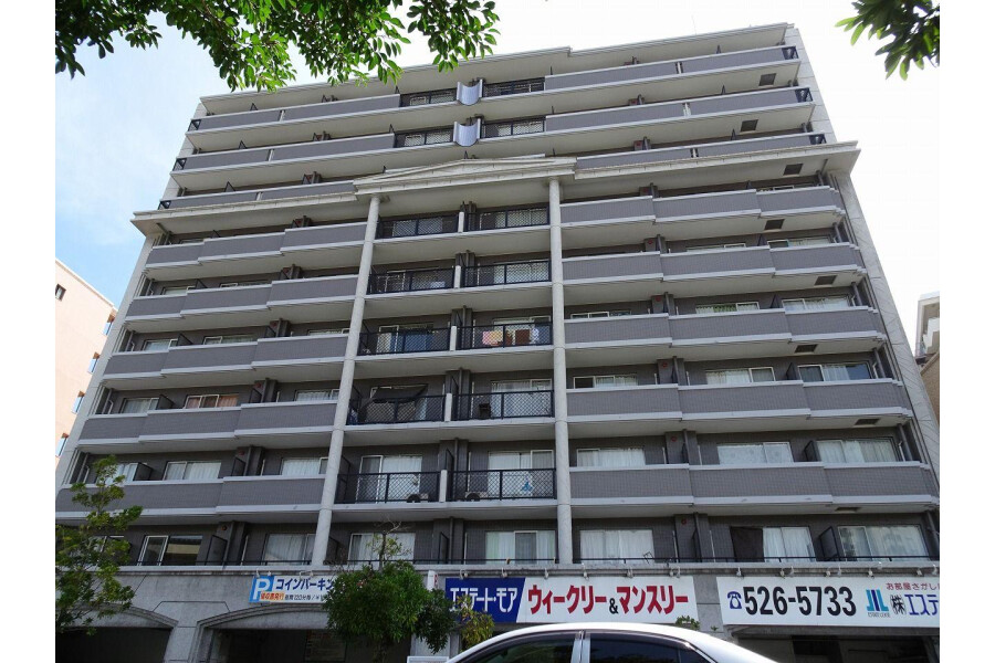 1K Apartment to Buy in Fukuoka-shi Chuo-ku Interior