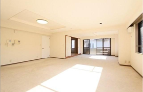 4LDK Apartment in Kamiuma - Setagaya-ku