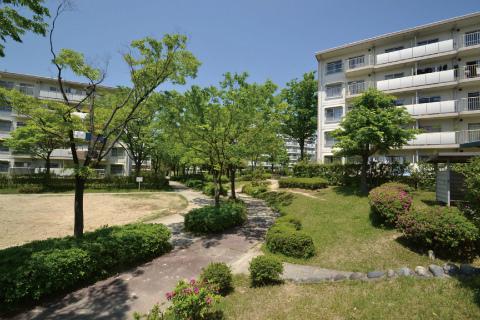 3DK Apartment to Rent in Aichi-gun Togo-cho Exterior