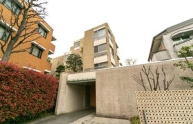 2LDK Mansion in Jingumae - Shibuya-ku