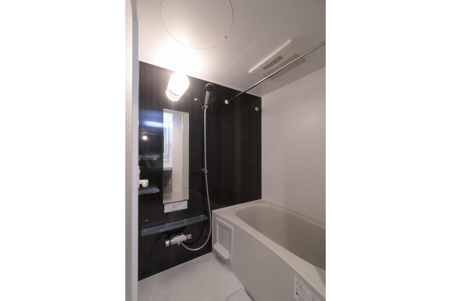 Whole Building Apartment to Buy in Meguro-ku Bathroom