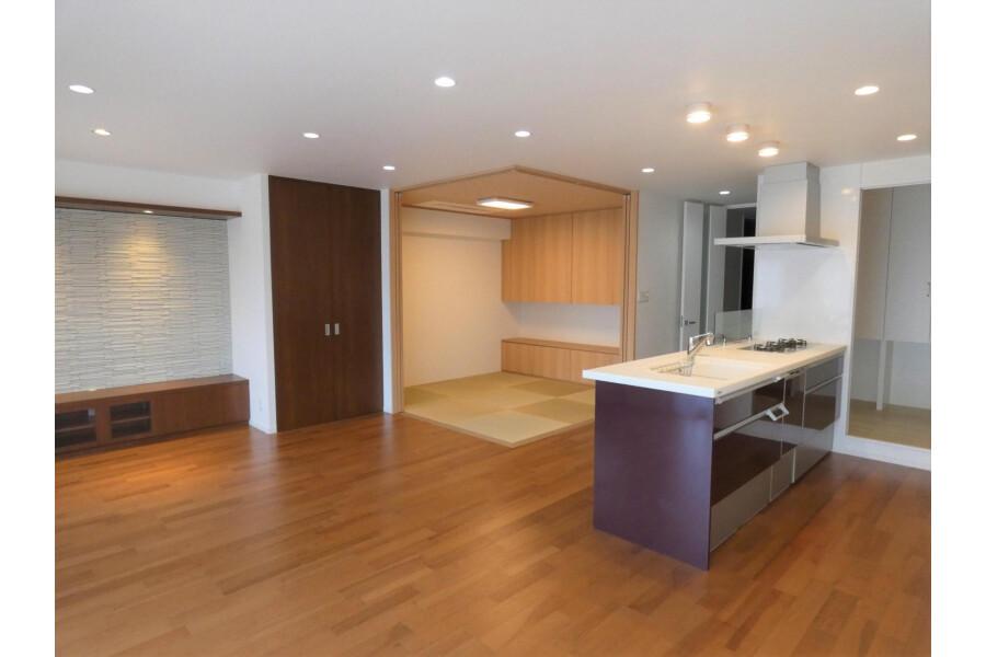 2LDK Apartment to Buy in Kyoto-shi Sakyo-ku Interior