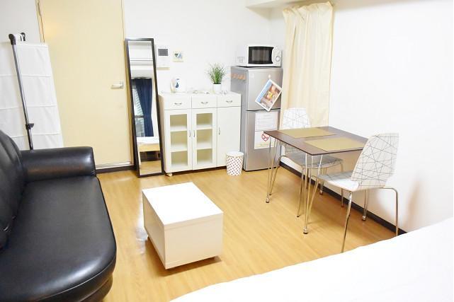 1K Apartment to Rent in Osaka-shi Chuo-ku Living Room